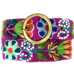 Hand Embroidered Peruvian Wool Belt. Size Medium.